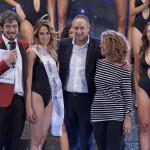 Al centro Miss Vitality's 2016 Katia Lovat con Grazie Portioli ed Enrico Morrocchi per Vitality's