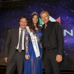 Da sinistra il direttore nazionale di MMI Antonio Marzano, Giada Tropea Miss Mondo Italia 2016 e Kaspar Capparoni