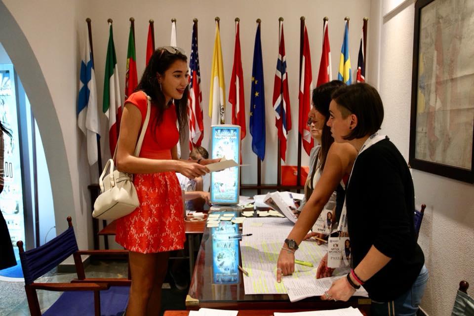 Le 150 Semifinaliste di Miss Mondo Italia arrivano a Gallipoli - 1