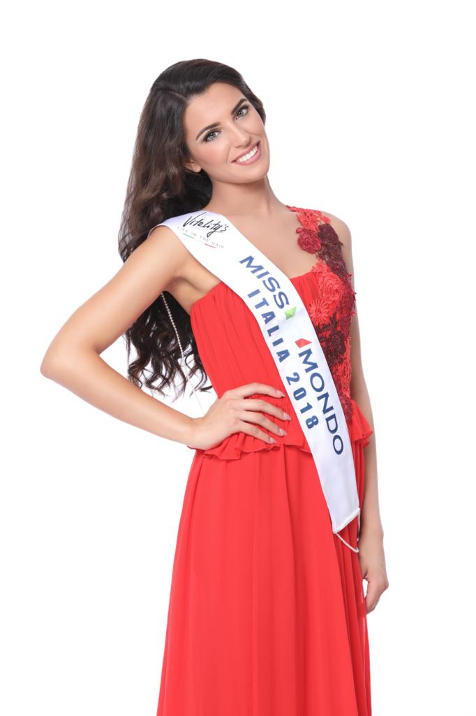 Nunzia Amato - Miss Mondo Italia 2018 - Vestito rosso