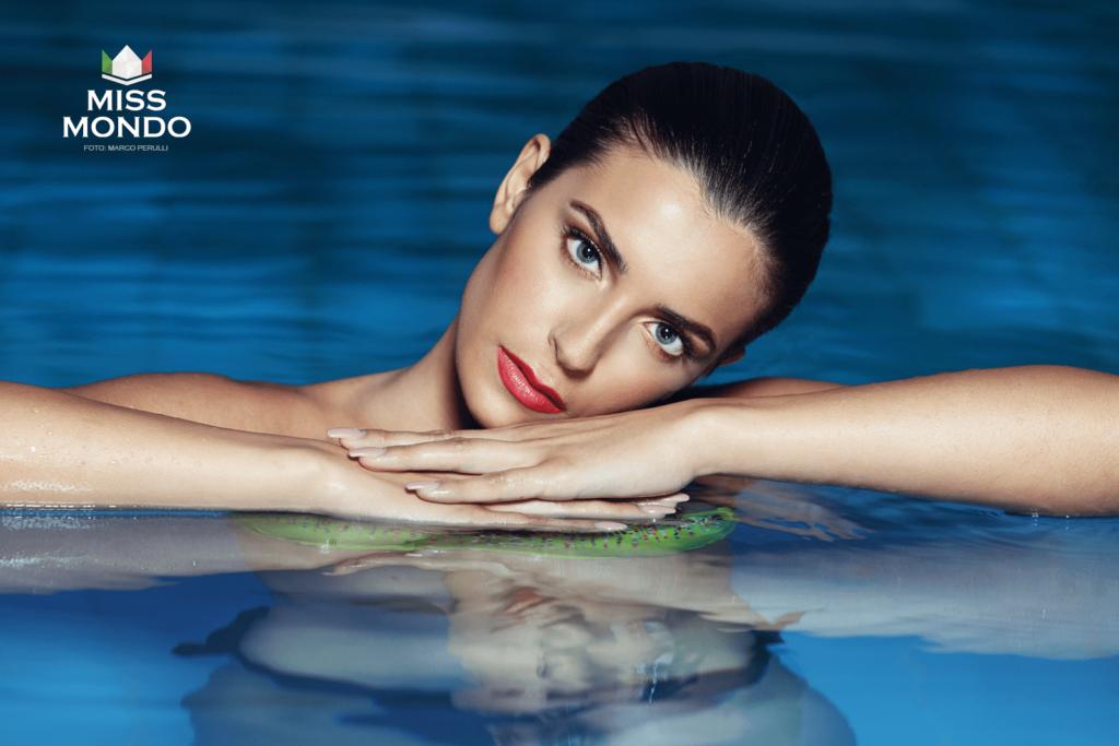 Nunzia Amato - Miss Mondo Italia 2018 - In Piscina