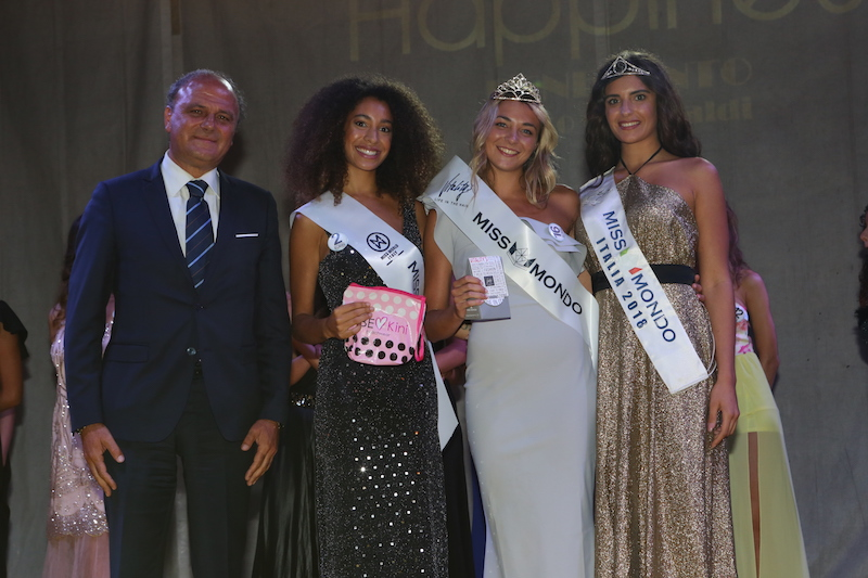 Le prime due classificate insieme a Nunzia Amato Miss Mondo Italia 2018