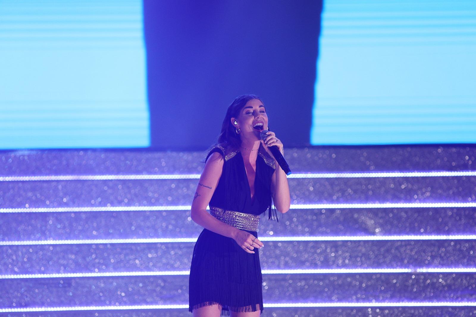 Lo spettacolo di Bianca Atzei durante la serata finale di Miss Mondo Italia 2019