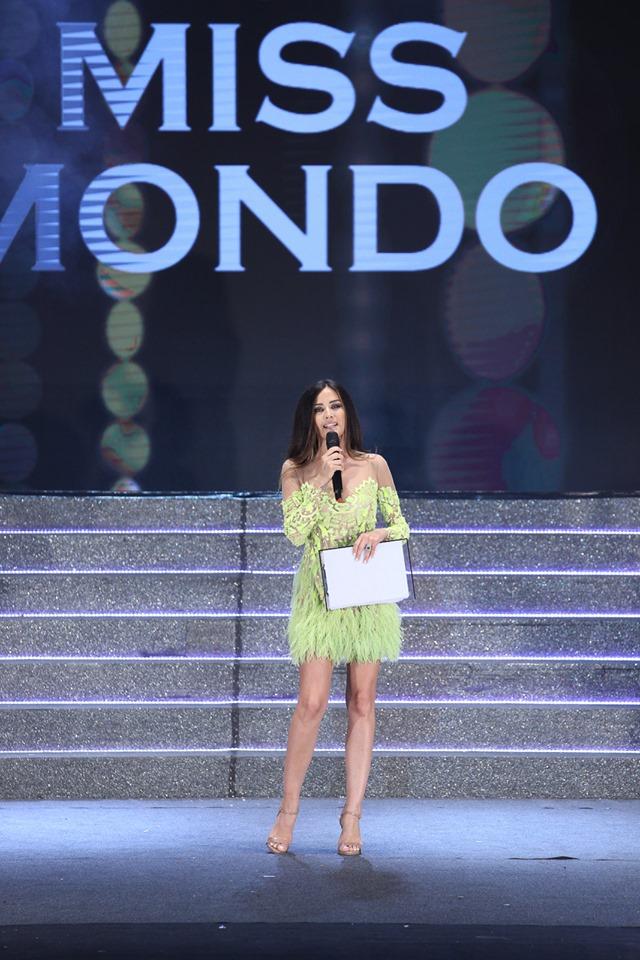 Giorgia Palmas conduttrice della serata finale di Miss Mondo Italia 2019