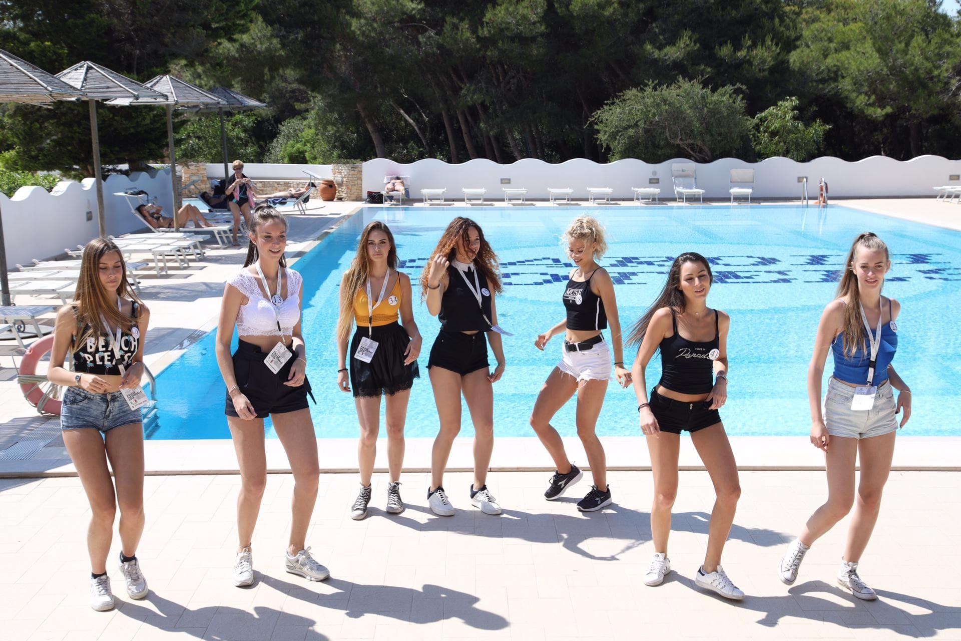 miss mondo italia in piscina